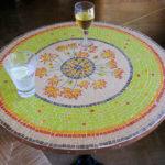 mosaïque sur mobilier-table bistrot